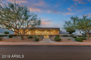 Mesa Homes with a Separate Guest House | Amy Jones Group