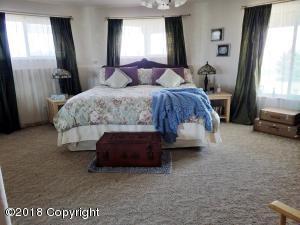 8 bedroom 2 (2)